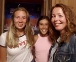 Søstrene Mathilde (t.v.) og Linnea fra Tinn Austbygd +Audhild